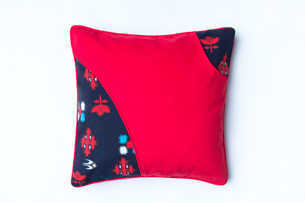 RED RIOT 1 JAPANESE STYLE CUSHION                        45cm X 45cm